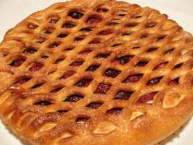 Русский пирог с вишней и творогом 0,6кг